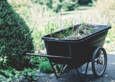 Daniel Leiritz Paysagiste - Entretien jardin allée brouette